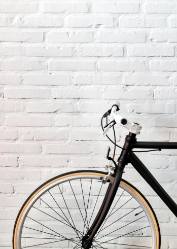 Brick Wall「Black bicycle over a brick wall」:スマホ壁紙(18)