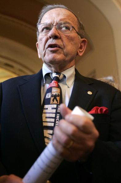 Politician「Senate Leadership Holds Weekly Meetings」:写真・画像(3)[壁紙.com]