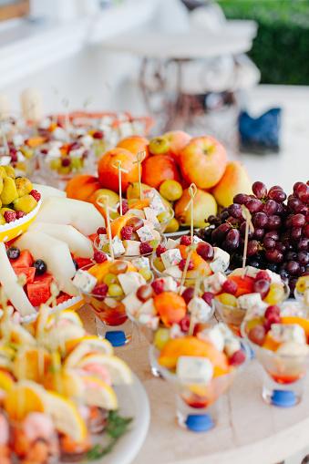 Buffet「Buffet food on a table」:スマホ壁紙(9)