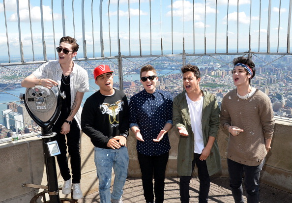 Empire State Building「Midnight Red Visits The Empire State Building」:写真・画像(12)[壁紙.com]