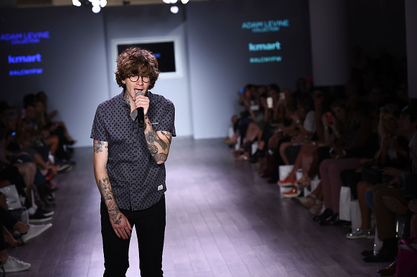Large Group Of People「The Adam Levine Collection - Runway - Spring 2016 Style360」:写真・画像(12)[壁紙.com]