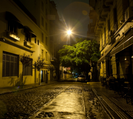 Buenos Aires「Buenos Aires cobble stone street after rain」:スマホ壁紙(3)