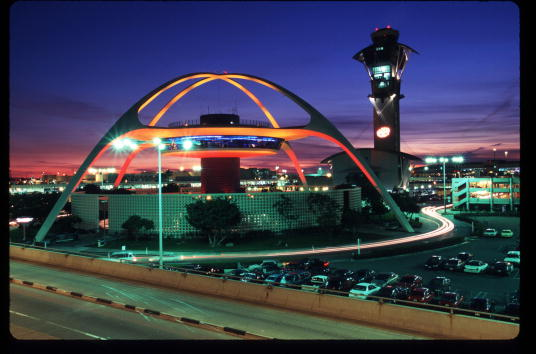 LAX Airport「A Day In The Life Of Los Angeles International Airport」:写真・画像(0)[壁紙.com]