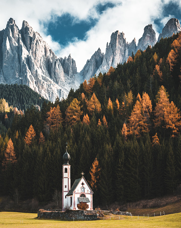 European Alps「santa maddalena church in val di funes」:スマホ壁紙(6)