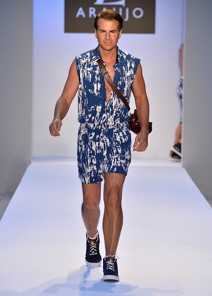 Focus On Foreground「A.Z. Araujo At Mercedes-Benz Fashion Week Swim 2014 - Runway」:写真・画像(15)[壁紙.com]