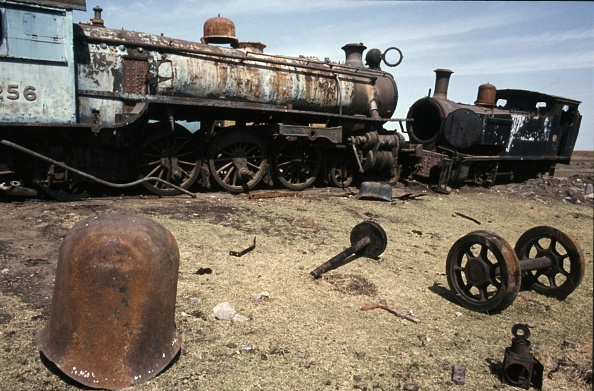 T 「Sudan Railways Pacific No. 256 and 0-6-0T No. 7 on the dump at Sennar Jubction on Monday 10th January 1983.」:写真・画像(10)[壁紙.com]