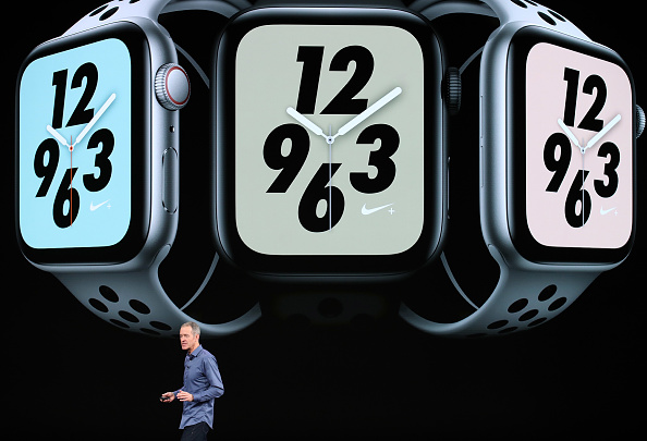 Apple Watch Series 4「Apple Debuts Latest Products」:写真・画像(8)[壁紙.com]