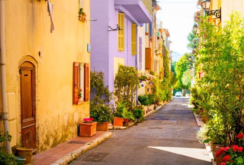France「Colorful street in town in Provence, France」:スマホ壁紙(15)