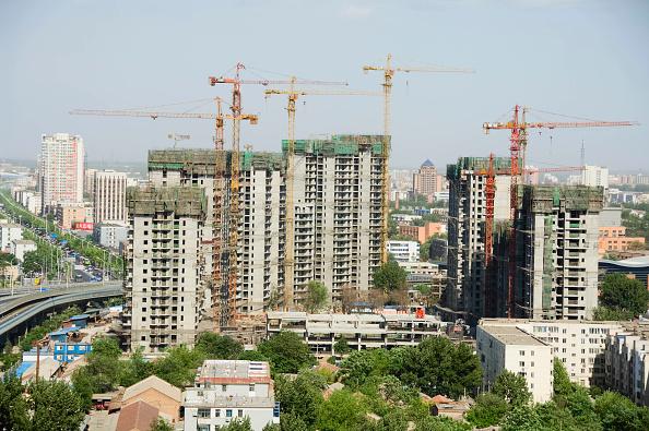 Skyscraper「New apartment building construction site in Tongzhou, Beijing, China 2006.」:写真・画像(4)[壁紙.com]