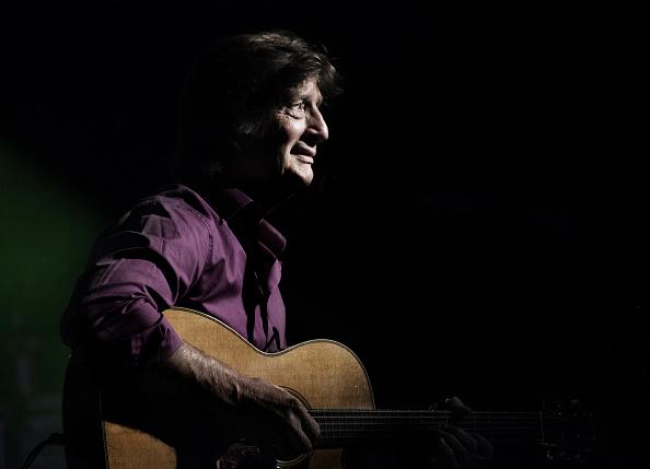 Acoustic Guitar「Chris Smither」:写真・画像(8)[壁紙.com]