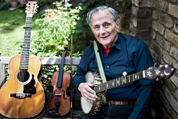 Acoustic Guitar「Tom Paley」:写真・画像(10)[壁紙.com]