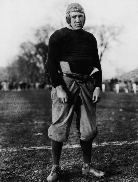 American Football - Sport「Knute Rockne In Football Uniform」:写真・画像(6)[壁紙.com]
