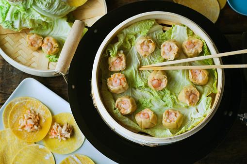 Dumpling「Asian dumpling in steamer with cabbage」:スマホ壁紙(10)