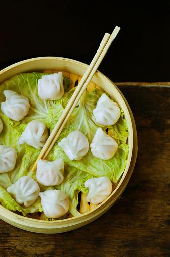 Karin「Asian dumpling in steamer with cabbage」:スマホ壁紙(19)