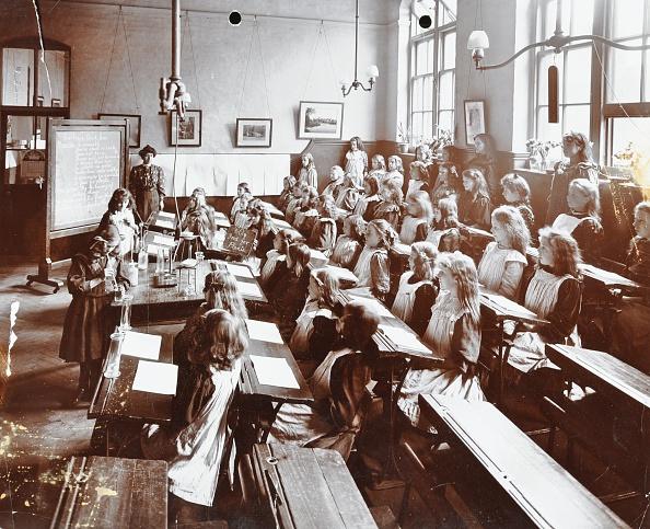 Biology「Science Class, Albion Street Girls School, Rotherhithe, London, 1908. Artist: Unknown.」:写真・画像(18)[壁紙.com]