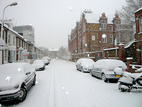Snowdrift「Snow covered street in London, UK」:スマホ壁紙(4)