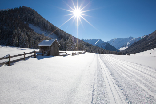 スキー場「snow covered winter landscape in tirol, austria」:スマホ壁紙(12)