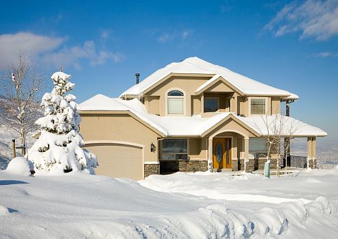 雪「雪で覆われた家」:スマホ壁紙(17)