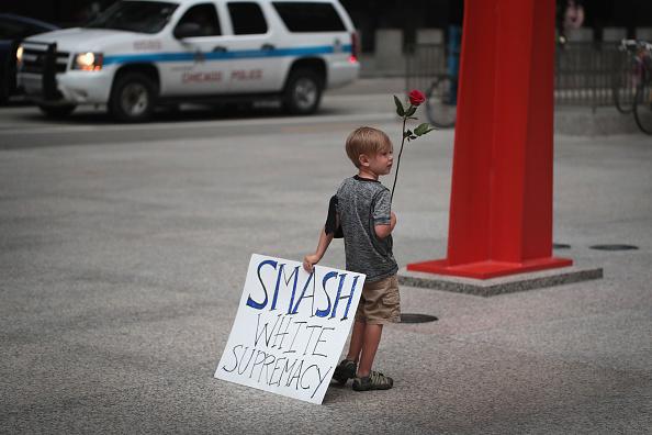 ネオナチ「Vigils Held Across For Country For Victims Of Violence At White Nationalist Rally In Charlottesville, Virginia」:写真・画像(17)[壁紙.com]