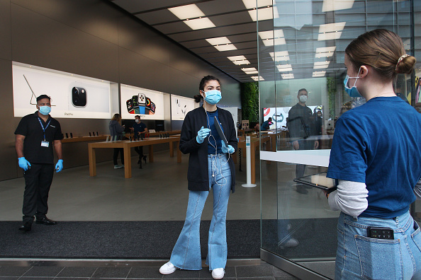 Apple Store「Apple Stores Reopen With Caution In Australia As Coronavirus Lockdown Restrictions Ease」:写真・画像(14)[壁紙.com]