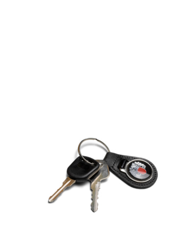 Car Key「Car keys on white background.」:スマホ壁紙(17)
