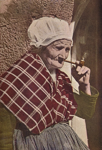 Bonnet「'An Aged Bretonne', c1913」:写真・画像(2)[壁紙.com]