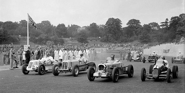 Race Car Driver「MG R type of Bill Esplen, ERA of Geg Parnell and MG of H Stuart-Wilton, Crystal Palace, 1939」:写真・画像(11)[壁紙.com]