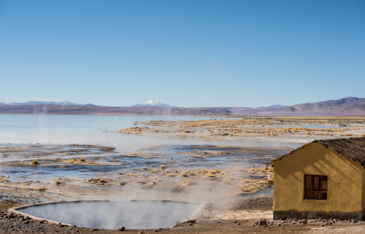 Bolivian Andes「Hot spring and small house on Bolivian Altiplano」:スマホ壁紙(3)