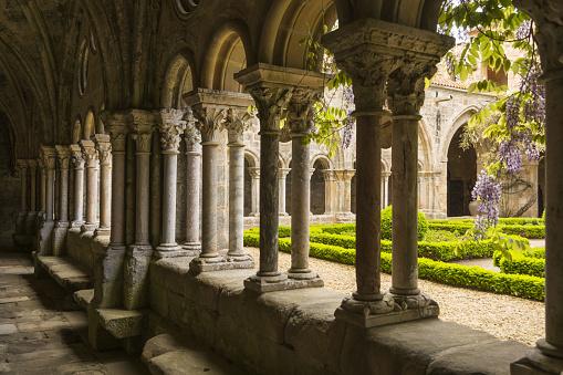 Abbey - Monastery「Fontfroide Abbey, cloister」:スマホ壁紙(5)