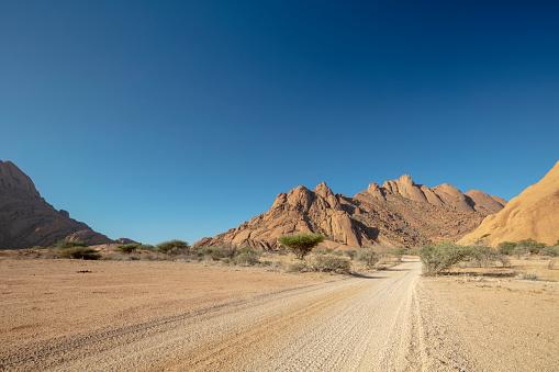 Namibia「Pontok Mountains in the Spitzkoppe Nature Reserve, Namibia, 2018」:スマホ壁紙(16)
