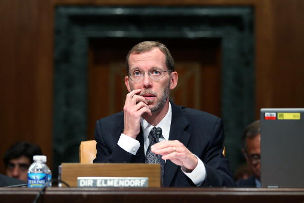 Alex Wong「CBO Director Elmendorf Testifies On The Economic And Fiscal Policy Outlook」:写真・画像(12)[壁紙.com]