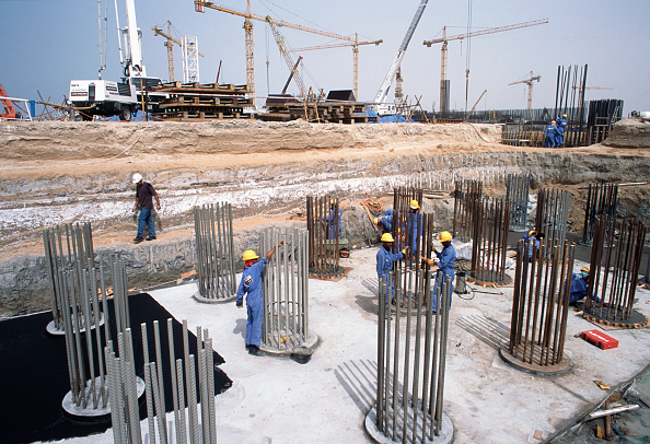 Construction Industry「Finishing pile reinforcement for foundations of the artificial ski slope Mall of the Emirates, Dubai Mall Development, UAE.」:写真・画像(11)[壁紙.com]