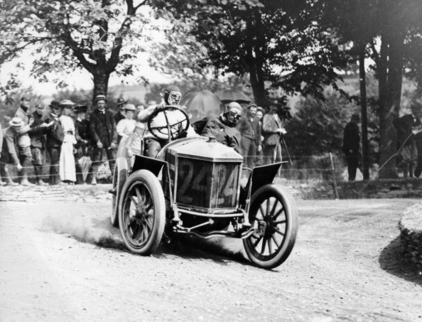 Ardennes Forest「Algernon Guinness driving a Minerva in the Circuit des Ardennes, 1907.」:写真・画像(13)[壁紙.com]