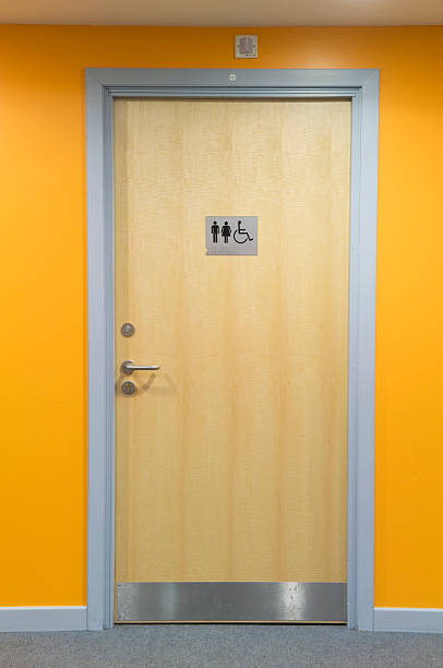 Modern toilet door:スマホ壁紙(壁紙.com)