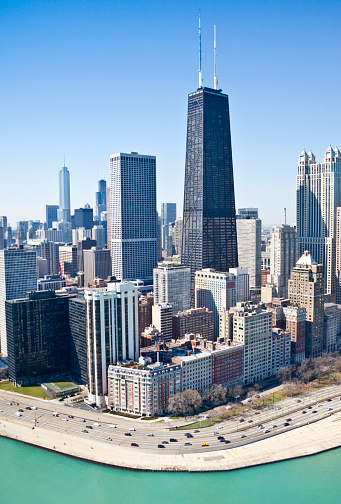 Illinois「Cloudless Aerial View of Chicago Skyline and Lake Shore Drive」:スマホ壁紙(8)