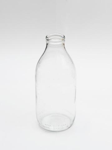 Milk Bottle「One empty milk bottle」:スマホ壁紙(16)