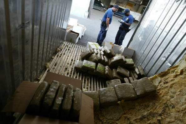 Hiding「$1.2 Million In Marijuana Found In Ship Container」:写真・画像(18)[壁紙.com]