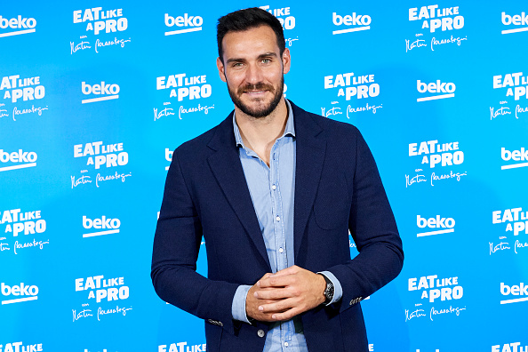 Saul Alvarez「'Eat Like A Pro Con Martin Berasategui' Presentation In Madrid」:写真・画像(9)[壁紙.com]