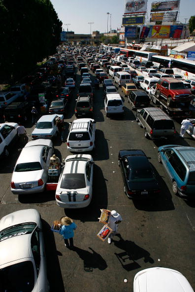 Baja California Peninsula「Americans Fuel Up On Cheaper Gas Over The Border Of Mexico」:写真・画像(11)[壁紙.com]