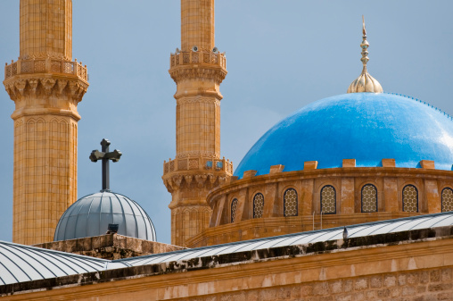 God「Mosque and church juxtaposed in Beirut, Lebanon」:スマホ壁紙(10)