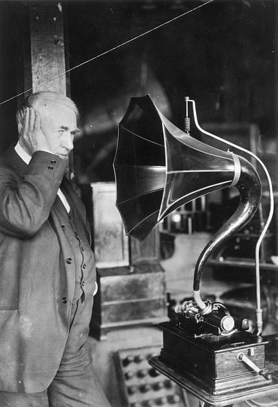 Gramophone「Listening Edison」:写真・画像(7)[壁紙.com]