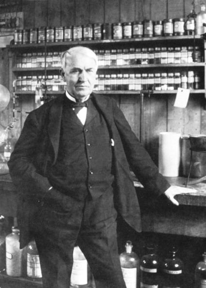 Light Bulb「Thomas Alva Edison at Menlo Park, late 1880s. Artist: Anon」:写真・画像(14)[壁紙.com]