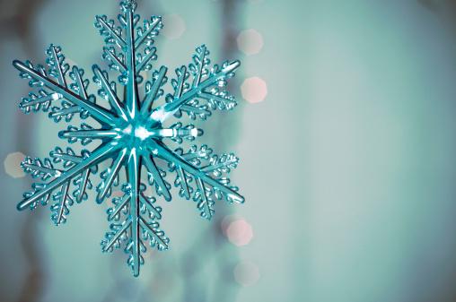 雪の結晶「スノーフレーク」:スマホ壁紙(2)