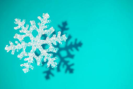 雪の結晶「Snowflake」:スマホ壁紙(1)