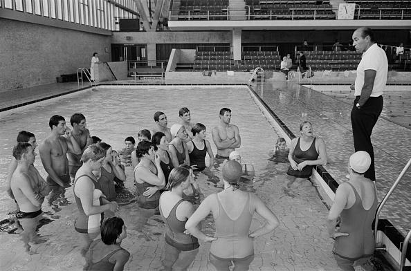 水着「Coach Bert Kinner」:写真・画像(8)[壁紙.com]