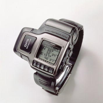 Wristwatch「The world's first wristwatch with a built-in Global Positioning System」:写真・画像(9)[壁紙.com]