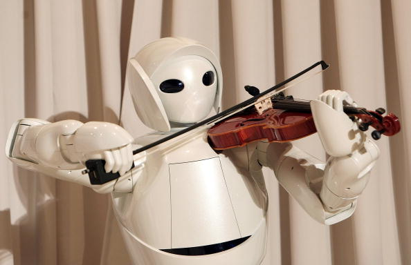 Violin「Toyota Launches New Robot Technology」:写真・画像(15)[壁紙.com]