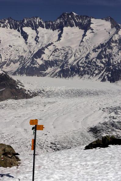 アレッチ氷河「Aletsch Glacier Retreat Continues」:写真・画像(8)[壁紙.com]