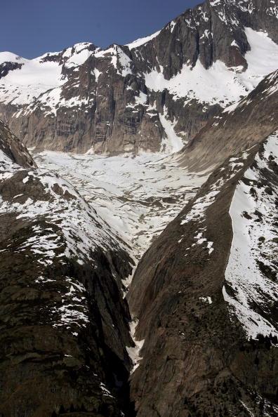 アレッチ氷河「Aletsch Glacier Retreat Continues」:写真・画像(7)[壁紙.com]