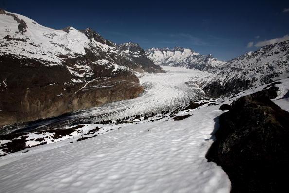 アレッチ氷河「Aletsch Glacier Retreat Continues」:写真・画像(4)[壁紙.com]